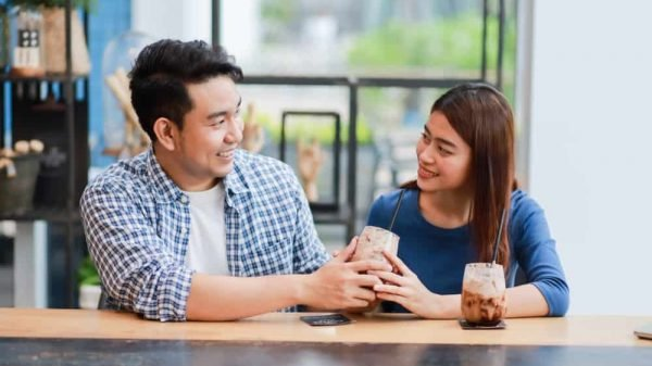 Tips Menjalin Hubungan Jarak