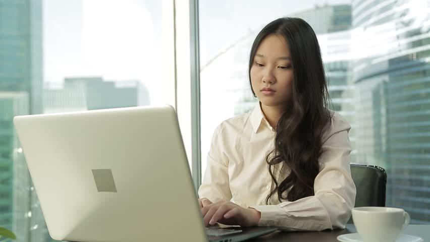 Meningkatkan percaya diri di tempat kerja