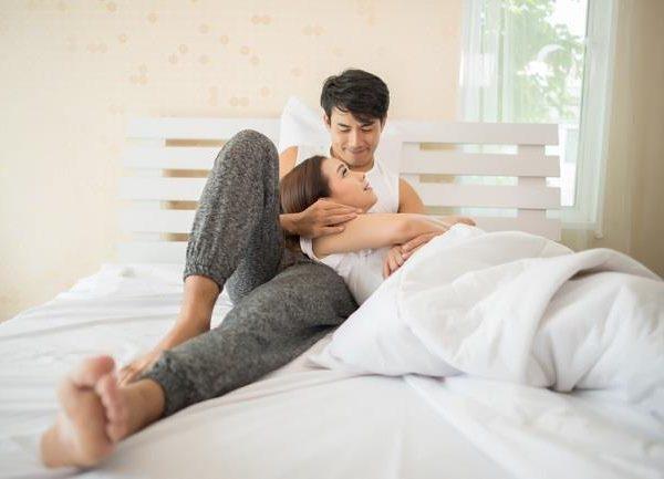 5 Topik Pembicaraan Bersama Pasangan untuk Menghangatkan Hubungan
